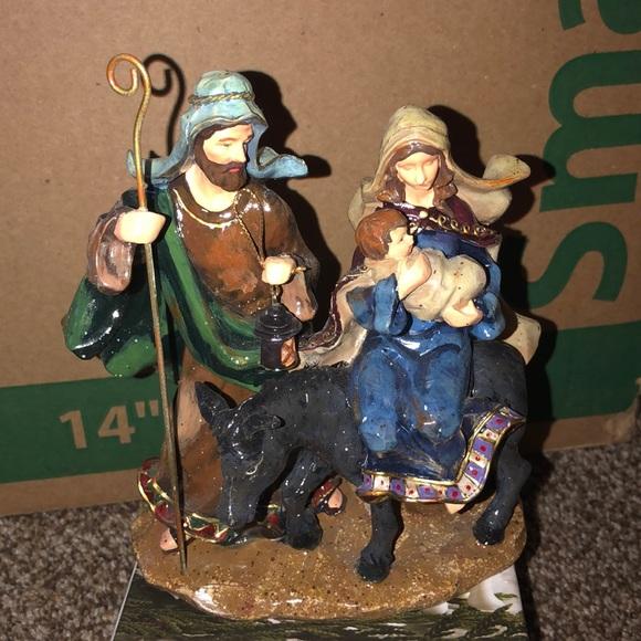 Kurt Adler Resin nativity beautiful